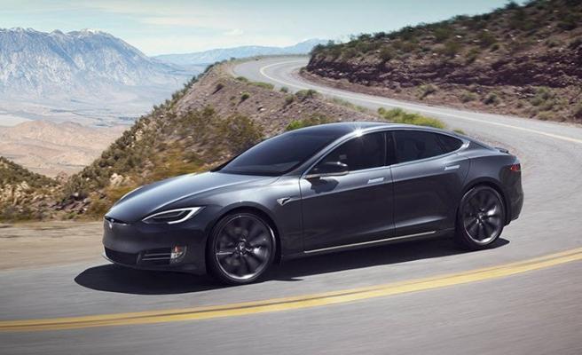 Tesla Model S'ten korkutan görüntü