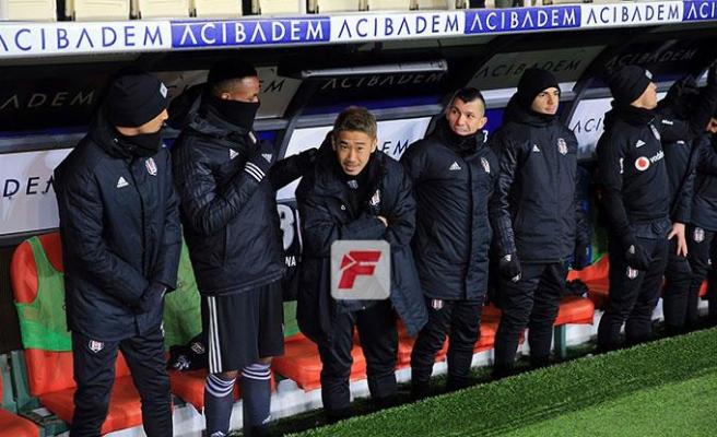 Beşiktaş yedek kulübesinde panik! Ucuz kurtuldu