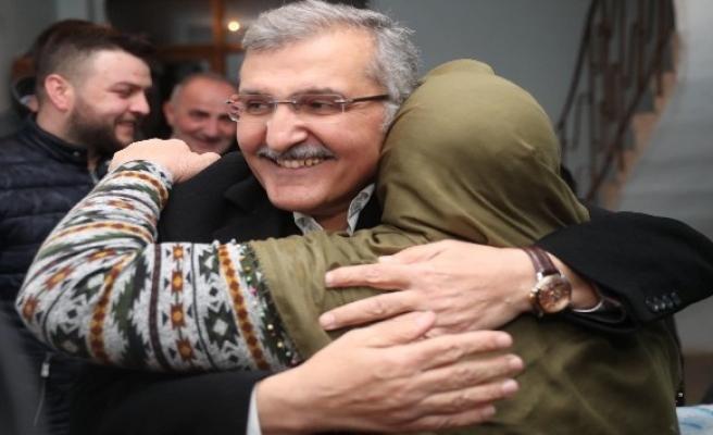 Beykoz'da Murat Aydın'ın evine gittiği Emine teyze gözyaşlarına boğuldu