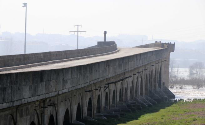 Çatlaklar Oluştu: 575 Yıllık Uzunköprü Yıkılma Tehdidi mi Yaşıyor?