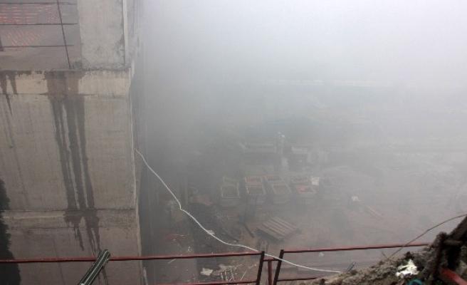 Fikirtepe'deki inşaatta çıkan yangın havadan görüntülendi
