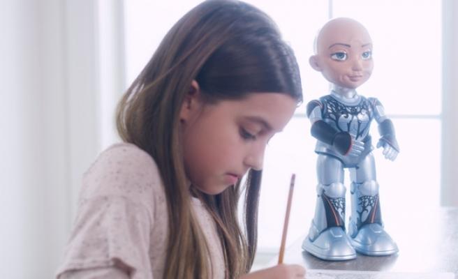 Meşhur Robot Sophia'nın Küçük Kardeşi 'Little Sophia' Çocuklara Yapay Zeka ve Kod Öğretmek İçin Geliyor!