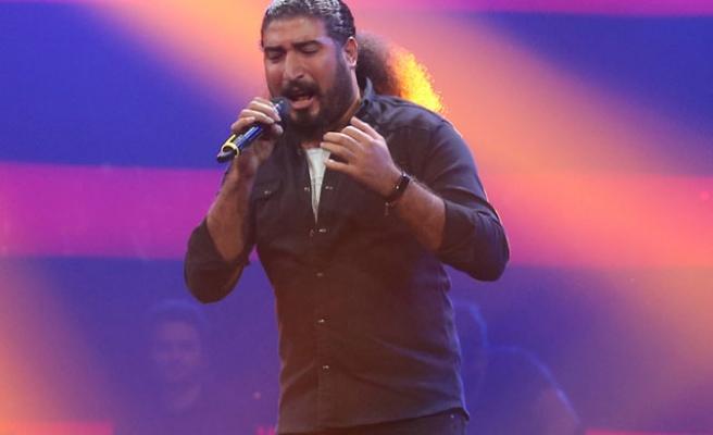 O Ses Türkiye'de Birinci Olmuştu: Şarkıcı Ferat Üngür'e 'PKK Propagandası' İddiasıyla Gözaltı