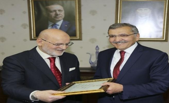 Başkan Murat Aydın göreve başladı
