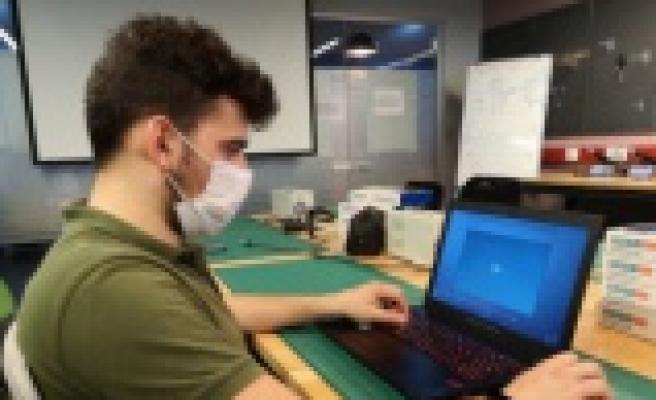 Üniversiteli gencin projesi laboratuvar ortamını eve taşıyacak