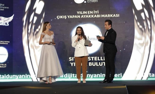 Yılın en iyi çıkış yapan ayakkabı markası: Sıtarastelle & Yıldız Bulut seçildi.