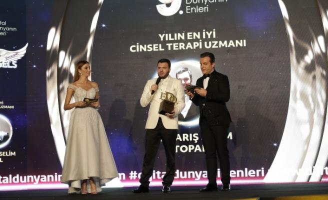 Yılın en iyi cinsel terapi uzmanı: Dr. Barış Selim Topal seçildi.