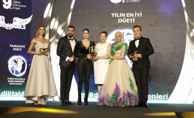 Yılın en iyi düeti: Yeşim Salkım & Bade Derinöz / Niye Hayat şarkısı seçildi.