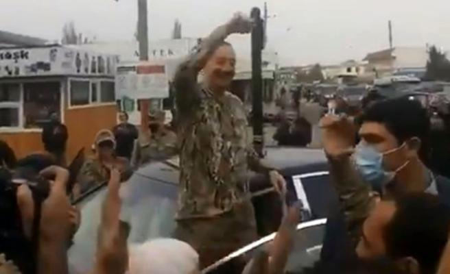 27 yıl sonra bir ilk! Aliyev, işgalden kurtarılan Füzuli ziyaretinde tezahüratlarla karşılandı