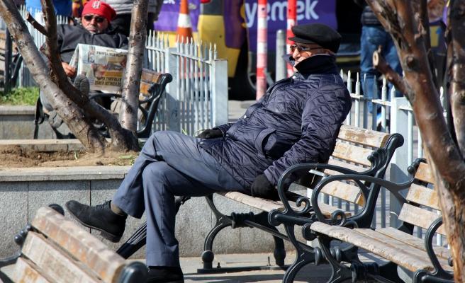 65 Yaş Üstüne Sokağa Çıkma Yasağı: İhtiyaçlar İçin Sosyal Destek Grubu Oluşturulacak