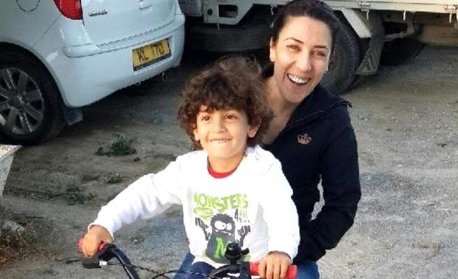 7 yaşındaki oğlunu 31 bıçak darbesiyle öldüren anneye müebbet hapis cezası verildi