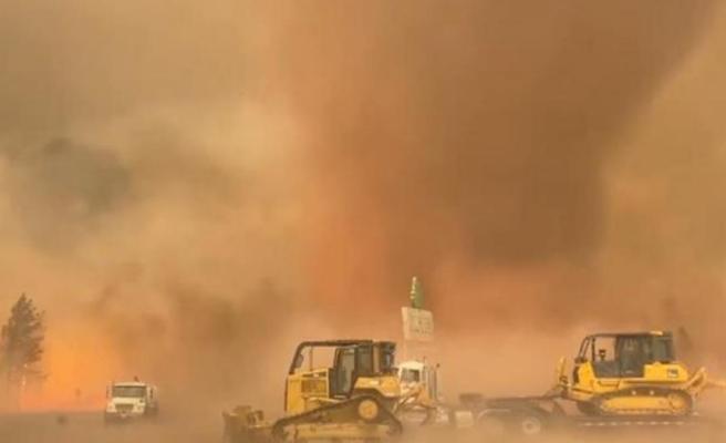ABD'de aşırı sıcaklar felaket getirdi! Alev hortumu çıktı, ağaçlar bile kökünden söküldü