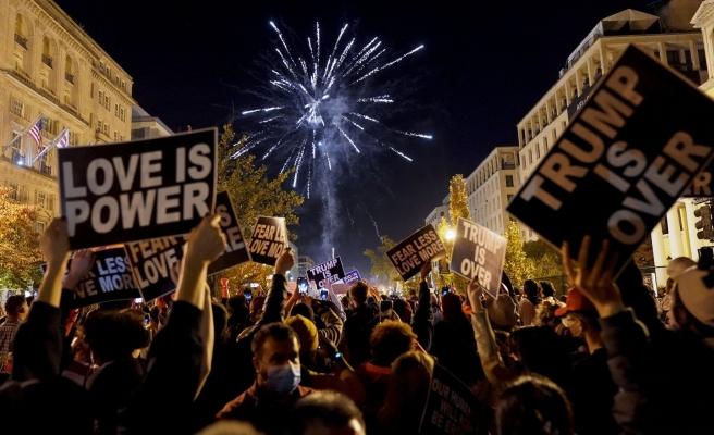 ABD'de Halk, Biden'ın Zaferini Kutlamak İçin Sokaklara Döküldü