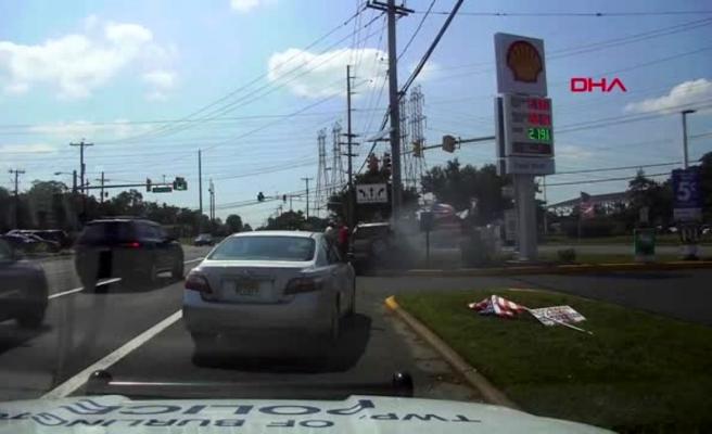 ABD'de kaza yapan sürücü, araç patlamadan önce böyle kurtarıldı