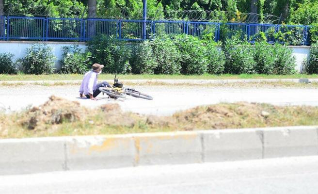 Adana'da Fenalaşıp Bisikletten Düşmüş Numarası Yaparak İnsanları Dolandıran Adam