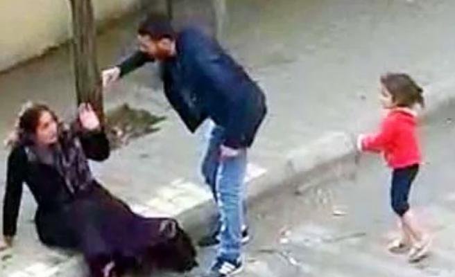 Adli Kontrol Şartıyla Serbest Bırakılmıştı: Gaziantep'te Eşini Sokak Ortasında Döven Zanlı Tutuklandı