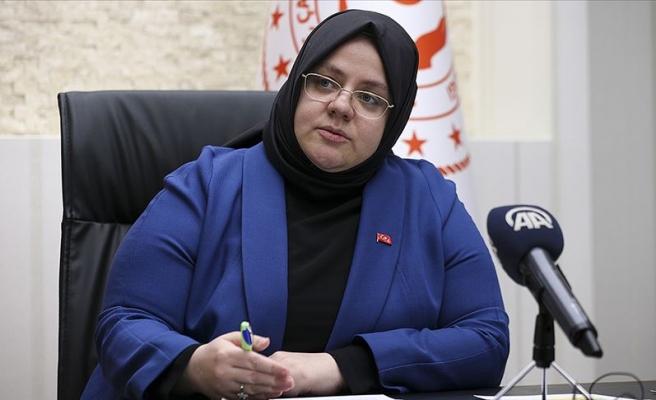 Aile Bakanı Zehra Zümrüt Selçuk Koronavirüse Yakalandı