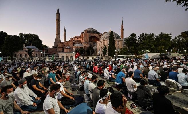 AKP'li Numan Kurtulmuş: 'Milli Savunma Sanayi ile Ayasofya'nın İbadete Açılması Birebir İlişkili'