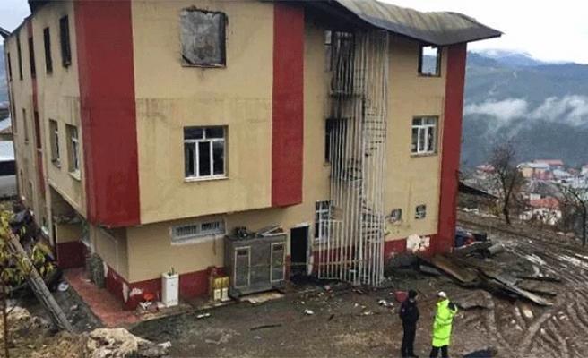 Aladağ Belediyesi'nden Yurtta Çıkan Yangında Yaralanan Öğrencinin Ailesine İcra Takibi