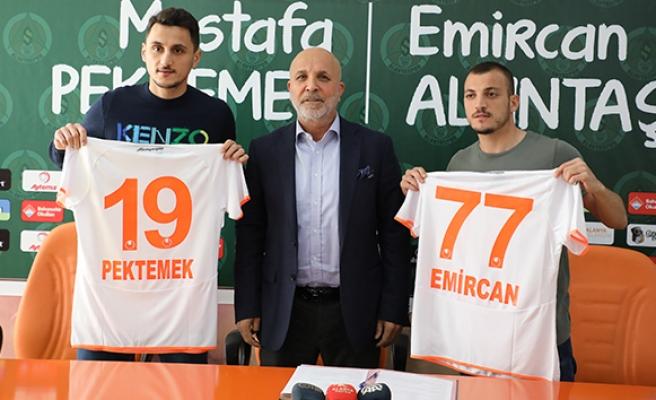 Alanyaspor Mustafa Pektemek ve Emircan Altıntaş'a resmi imzayı attırdı