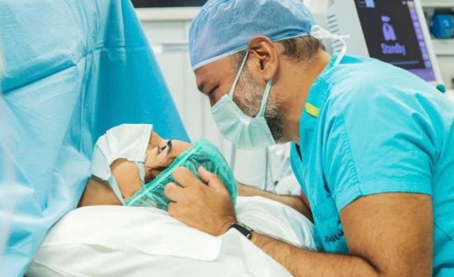 Ali Sunal ile Nazlı Kurbanzade çiftinin ikinci bebekleri doğdu