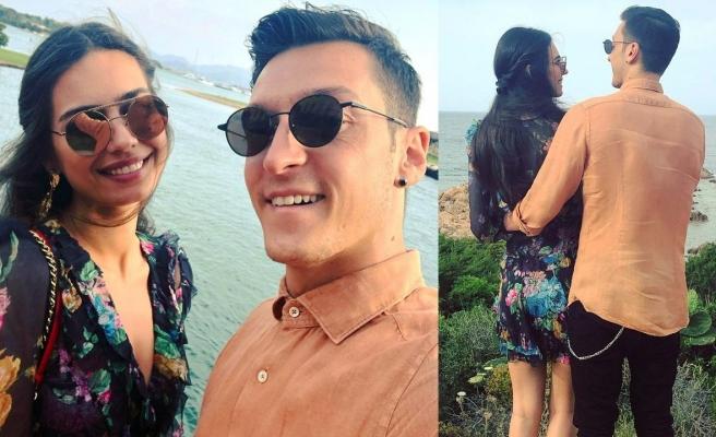 Amine Gülşe'den eşi Mesut Özil'e romantik kutlama!