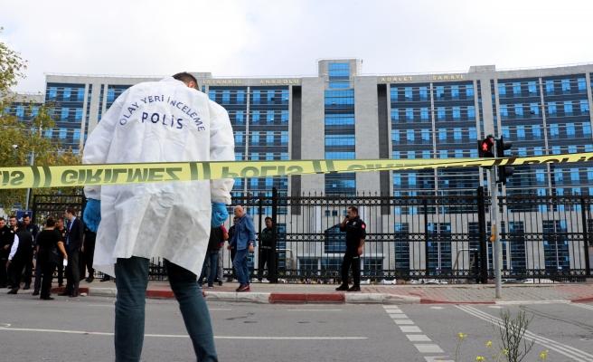 Anadolu Adalet Sarayı Önünde Silahlı Kavga: 2'si Ağır 4 Yaralı