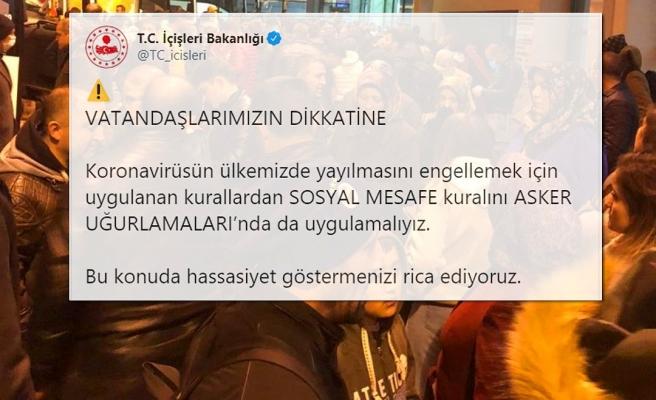 Ankara ve Konya'da Yüzlerce Kişi Asker Uğurlaması İçin Toplandı; Bakanlık 'Sosyal Mesafe' İçin Hassasiyet Rica Etti