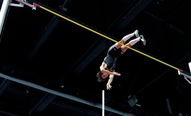 Armand Duplantis, Dünya Salon Atletizm Turu'nda 6 Metre 17'lik Atlayışı ile Dünya Rekoru Kırdı!