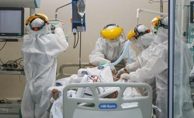 Aşısız gençlerin corona hastaları içindeki oranı arttı