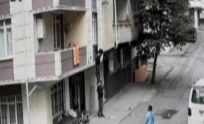 Avcılar'da Bastığı Kiriş Kırılan Hırsız 2 Metreden Aşağı Düştü