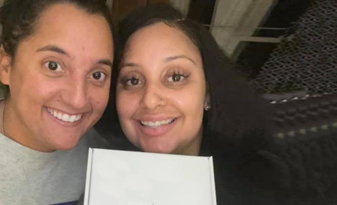 Aynı iş yerinde çalışan iki kadın, öz kardeş olduklarını öğrendi