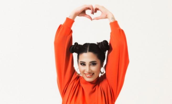 Azra Yünlü 'Biliyorum' adlı single çalışması ile digital dünyanın yeni starı olma yolunda hızla ilerliyor
