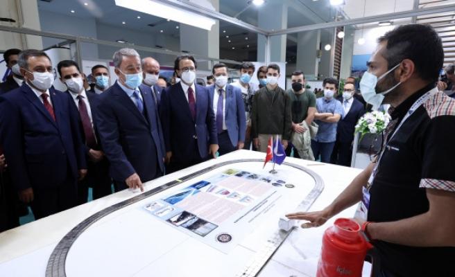 Bakan Akar'dan 'Verimlilik ve Teknoloji Fuarı'nda yerli savunma sanayi vurgusu