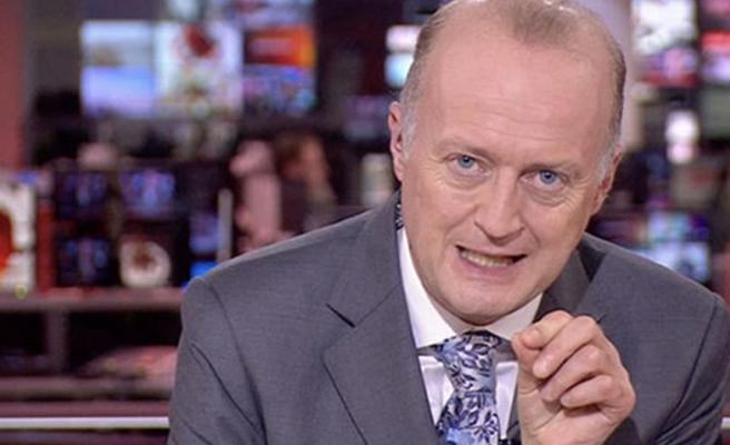 BBC spikerinin politika haberlerini şortla sunması sosyal medyada gündem yarattı
