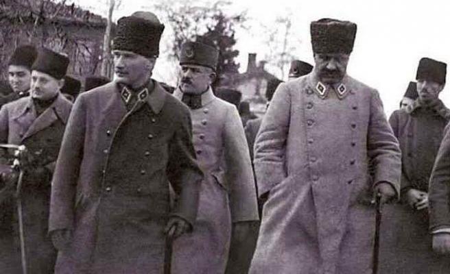 BBC Türkçe, Atatürk Hakkındaki İngiliz İstihbarat Raporlarına Ulaştı: 'Tehlikeli Biri, Rakipleri Bir Araya Getirilmeli'