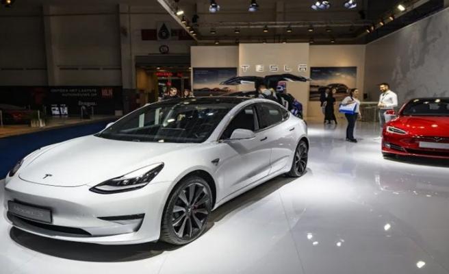 Beklenen özellik Tesla'lara geldi