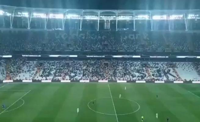 Beşiktaş - Çaykur Rizespor Karşılaşmasında Tribünlerinde 'Mülteci İstemiyoruz' Tezahüratı Yapıldı