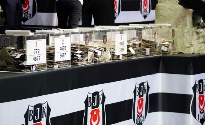 Beşiktaş'ta, 12 sandık sonucunda fark 808'e çıktı