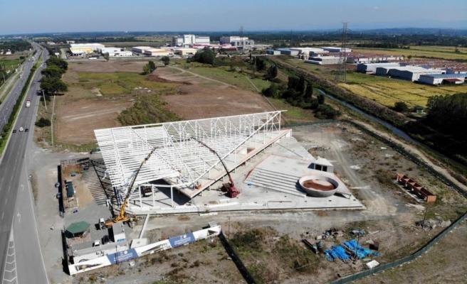 Bilim ve Teknoloji Merkezi'nin çelik çatı montajı devam ediyor