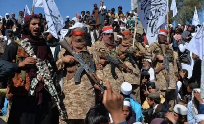 Bir kale daha düştü! Taliban, Afganistan'ın en büyük ikinci şehri Kandahar'ı da ele geçirdi