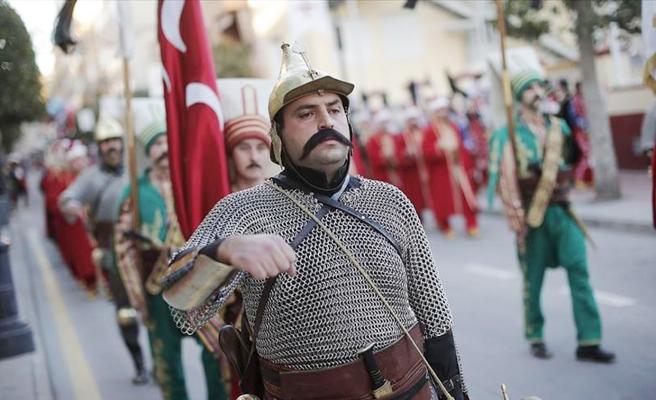 Bir Skandal Daha: MHP'li Belediye 'Olmayan Mehteran Takımıyla' İnsan Kaçırmış...