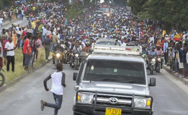 Bir ülke ölen liderine sevgisini sunmak için stadyuma koştu! Yaşanan izdihamda 45 kişi hayatını kaybetti
