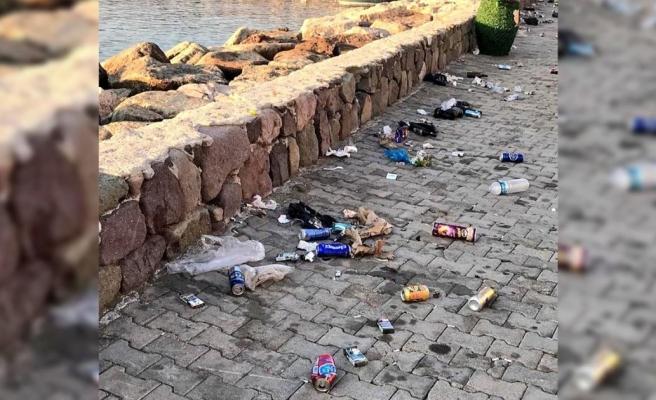 Bodrum Belediye Başkanı Aras Hakkında Yere Atılan Çöpleri Toplattırmadığı Gerekçesiyle Suç Duyurusu
