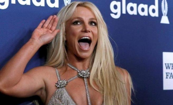 Britney Spears, çıplak fotoğraf paylaştı