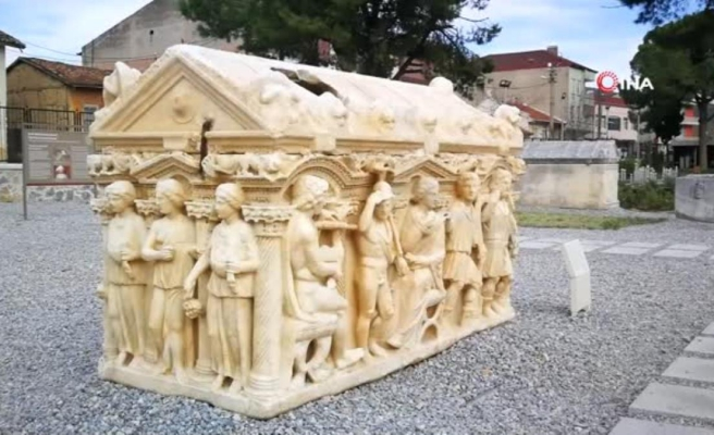 Bu mezarlar sanat eserlerini aratmıyor