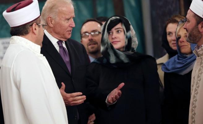 Bülent Arınç'tan Joe Biden'a Tebrik ve Övgü Mesajları