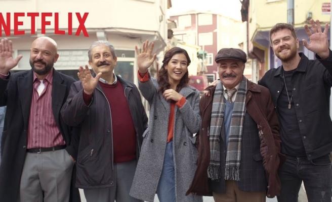 Burak Aksak'ın Kaleminden Selçuk Aydemir'in Gözünden Bir Kara Komedi: 50m2 Dizisinin Setinden İlk Görüntüler!