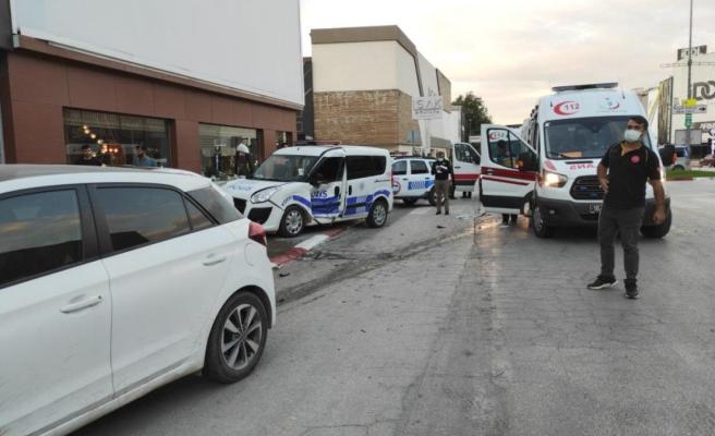 Bursa'daki trafik kazasında 2'si polis 3 kişi yaralandı