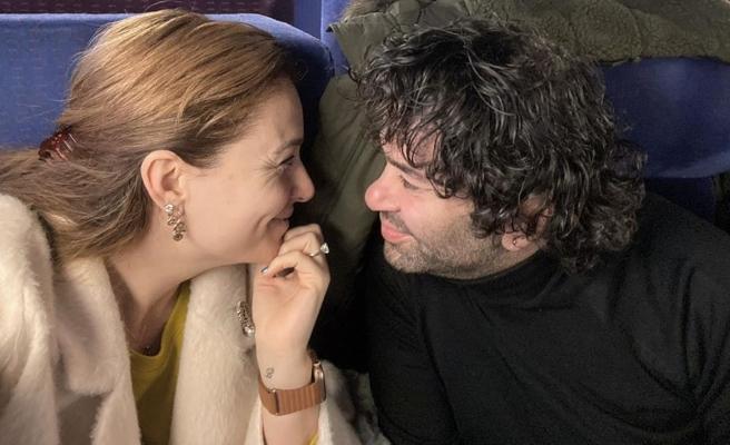 Ceyda Düvenci eşi Bülent Şakrak'ı yere göğe sığdıramadı